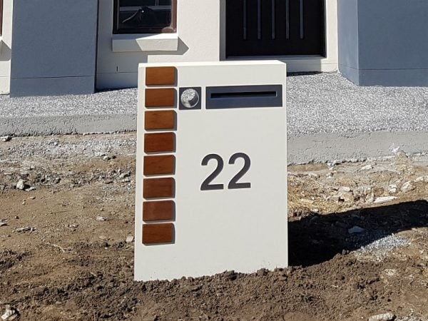 E5 Single Mailbox LHS of driveway