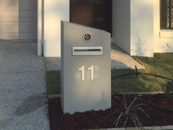 E75 Single Column Mailbox - RHS