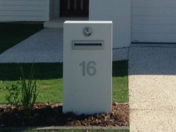 E95 Single Column Mailbox - LHS