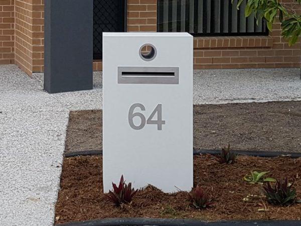 E95 Single Column Mailbox - RHS