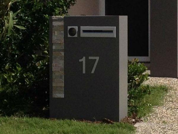 E85 Single Column Mailbox