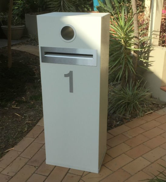 E1 Single Column Mailbox - stainless steel fittings