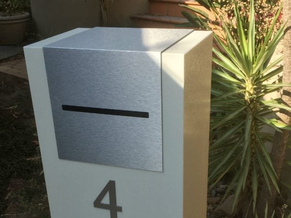 E4 Single Mailbox - brushed aluminium