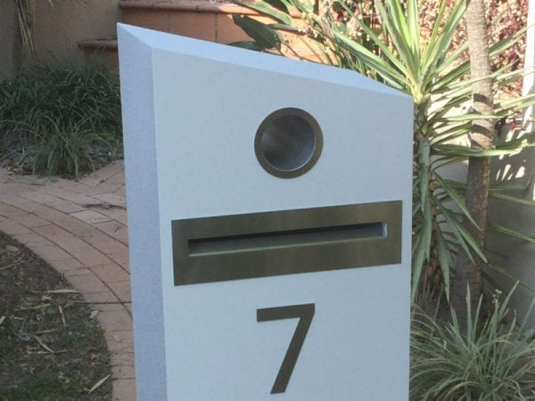 E7 Single Mailbox - stainless steel features