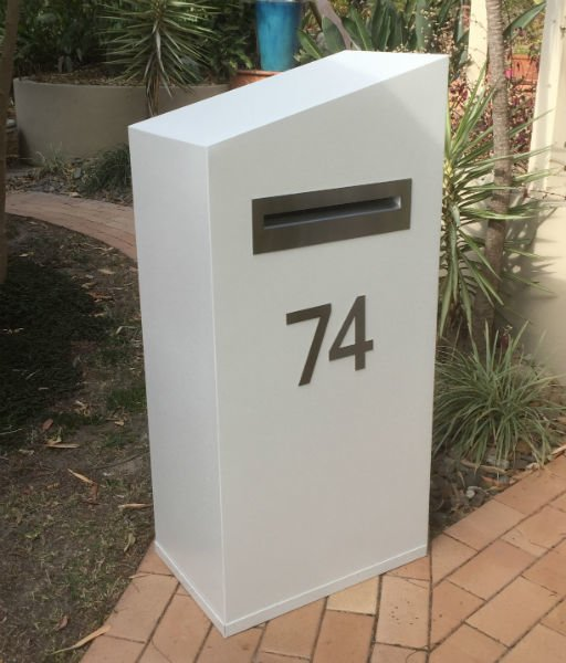 E74 Single Mailbox angle